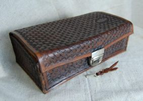 LEATHER BOX by swietyleather