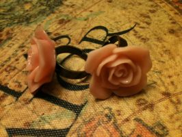 Rose Rings by Phe-chan