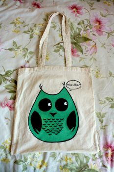 Hand painted owl on cotton bag by Tsvetelinat