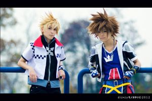 Kingdom Hearts - Sora and Roxas by Sezzikun
