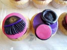 Brush and Brush Cupcakes by PnJLover