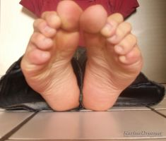 Wrinkled Soles in front by KarinaDreamer