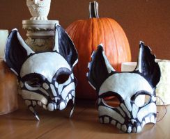 Skeleton Foxes by nondecaf