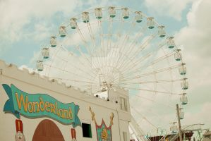 Wonderland Ferris Wheel by lisaclarkedotnet