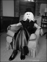 Meet The Countess by Estruda