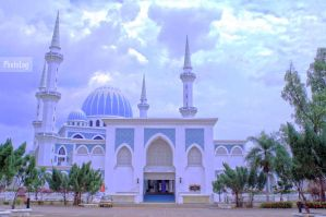 State Mosque by amputatedleg