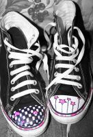my converses by specialnezz