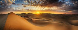 Huacachina Sunset by scwl