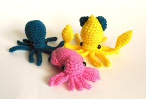 Miniature Cephalopod Trio by StarbeamerPatterns