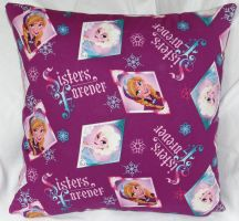 Frozen Pillow 4 by quiltoni