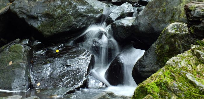 tiny waterfall by hsbzh