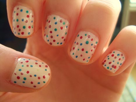 Speckled nails by luminousleopard