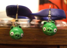 Angry Birds Pig Earrings by Red-Flare