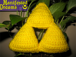 Amigurumi Triforce by ManifestedDreams