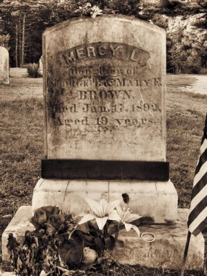 Vampire Mercy Brown's grave