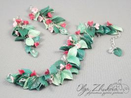 jewelry set with flowers and leaves by polyflowers