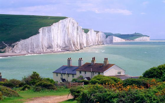 SEVEN SISTERS CLIFFS, ENGLAND by maxdesolate