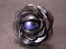 Black Creature Eye Rose Ring by iHeartMutants