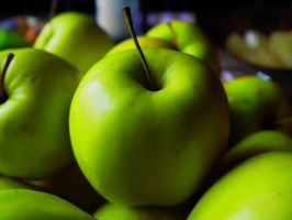 Apples by KeepingPhotographies