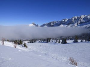 Tongue of clouds to Vercors Massif by A1Z2E3R