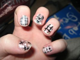 Tic Tac Toe Nails by Azarahael-Morganti