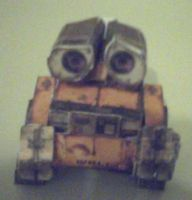 Wall-e Papercraft by ganon-destroyer