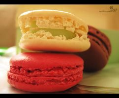laduree macaroon by ManoAziz