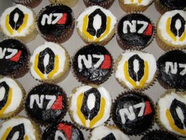 Mass Effect 3 Cupcakes by Dachindae