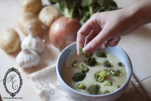 Cauliflower and broccoli soup by goncalo-lopes