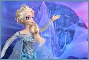 the cold never bothered me anyway! by verirrtesIrrlicht