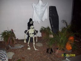 Haunt: Outdoor Decorations by foxanime101
