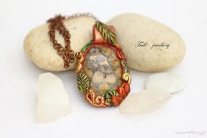 Camomile lady by Tuile-jewellery