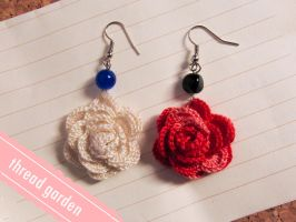 blooming :: crochet earrings by pandatama