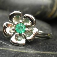 14kt gold emerald flower by nellyvansee