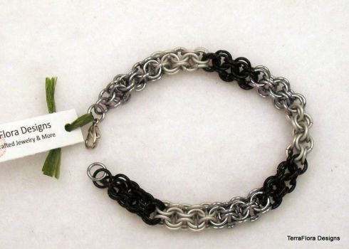 Inverted round chainmaille bracelet by typhoid-lori