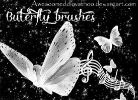 Buterfly brushes by AwesoOmeDDLovathoO