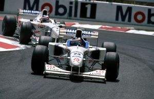 Jan Magnussen | Rubens Barrichello (France 1997) by F1-history