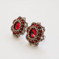 Ruby flowers earrings by Sol89