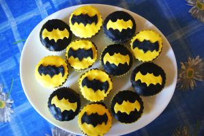 Batman birthday cupcakes by dimebagsdarrell