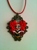 Cameo pendant Red Queen by anapeig