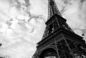 Eiffel Tower by sol0dolo