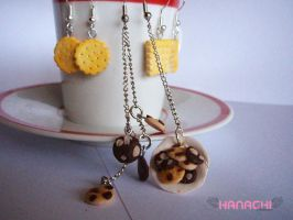cookie and cracker earrings by Hanachi-bj