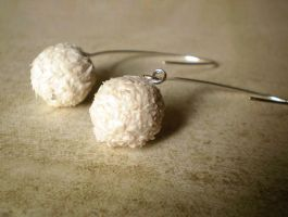 Raffaello Snowball - Earrings by vesssper