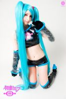 Hatsune Miku cosplay by Maysis