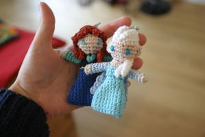 Anna and Elsa amigurumi charms by Herzstueck-Handmade