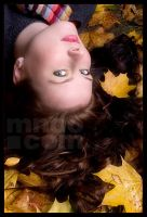 Autumn Girl by mnoo