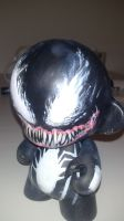 Venom  Mini Munny by SkaraManger
