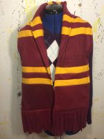 Harry Potter: Griffendor Scarf by KungPowCREATIONS