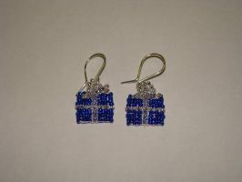 Gift parcel earrings by jasmin7
