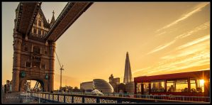 Tower Bridge and Bus 42 by dynamick